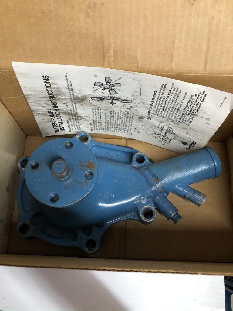 6 Cyl Water Pump   Chrysler WP 1349