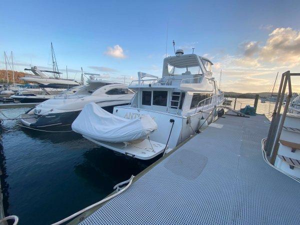 luxury motor yacht for sale | pilot house motor yacht