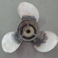 Mercury 3 Blade Left-Hand Propeller - 13 1/4'' X 17'' #34878118-A40 L17P (Damaged)