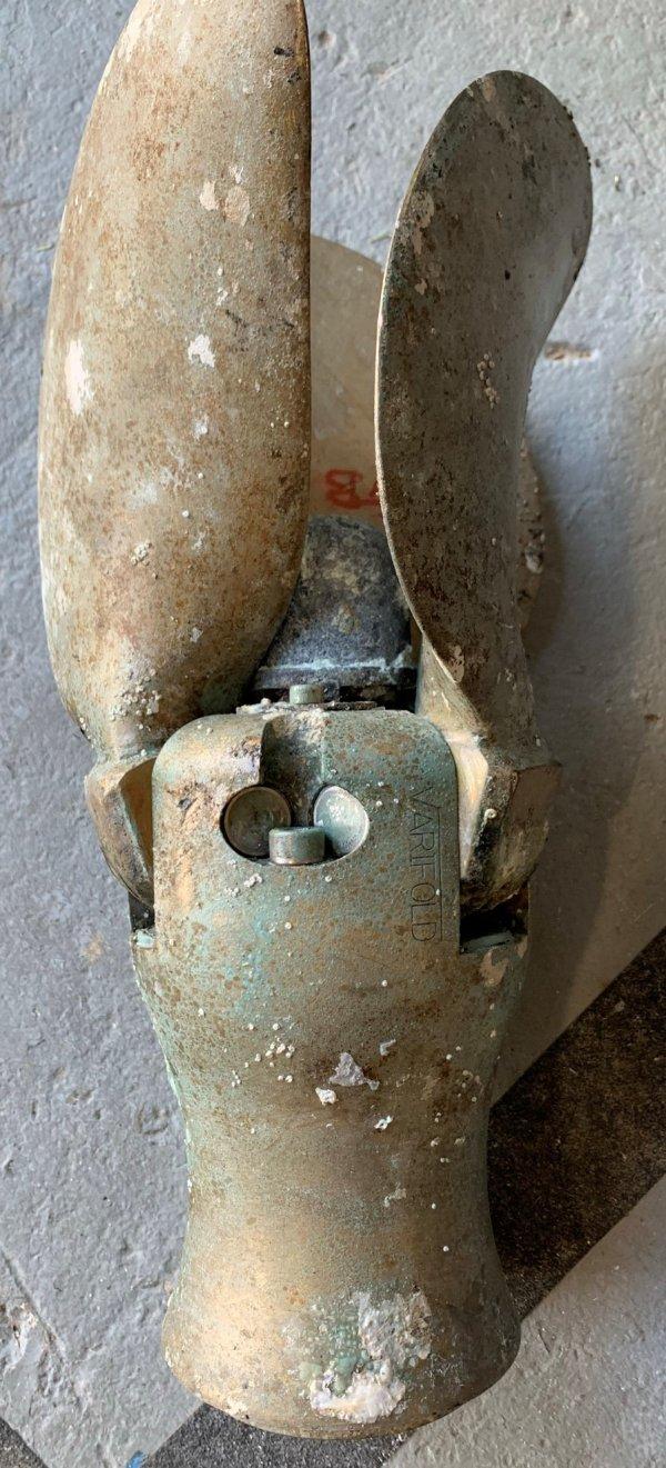 Pair of Varifold Folding Bronze 3 Blade Propeller 18 x 14