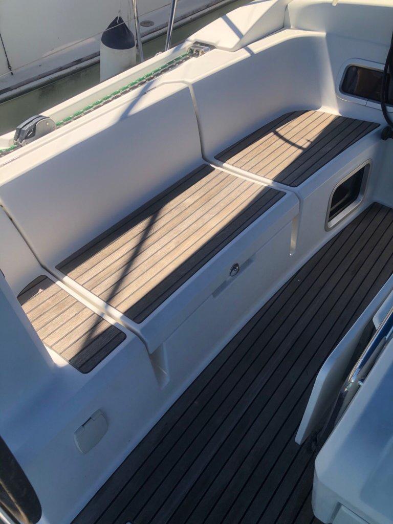 Jeanneau Sun Odyssey 469 Deck