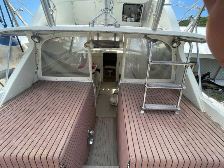 Bertram 31 boat specs