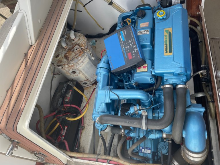 Bertram 31 boat engine sale
